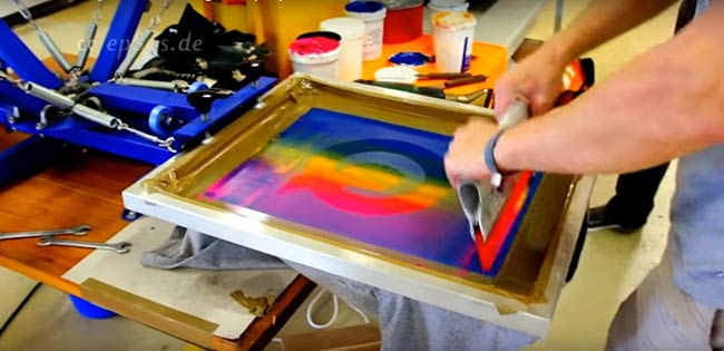 How to prepare screens for t shirt screen printing machine for Where can i get a shirt screen printed