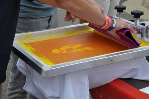 t-shirt screen printing press